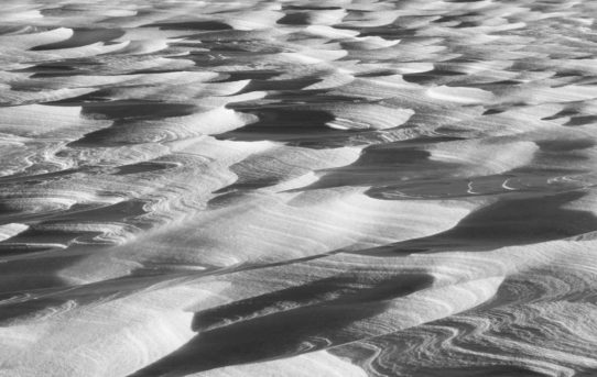 Snow texture - Black and white