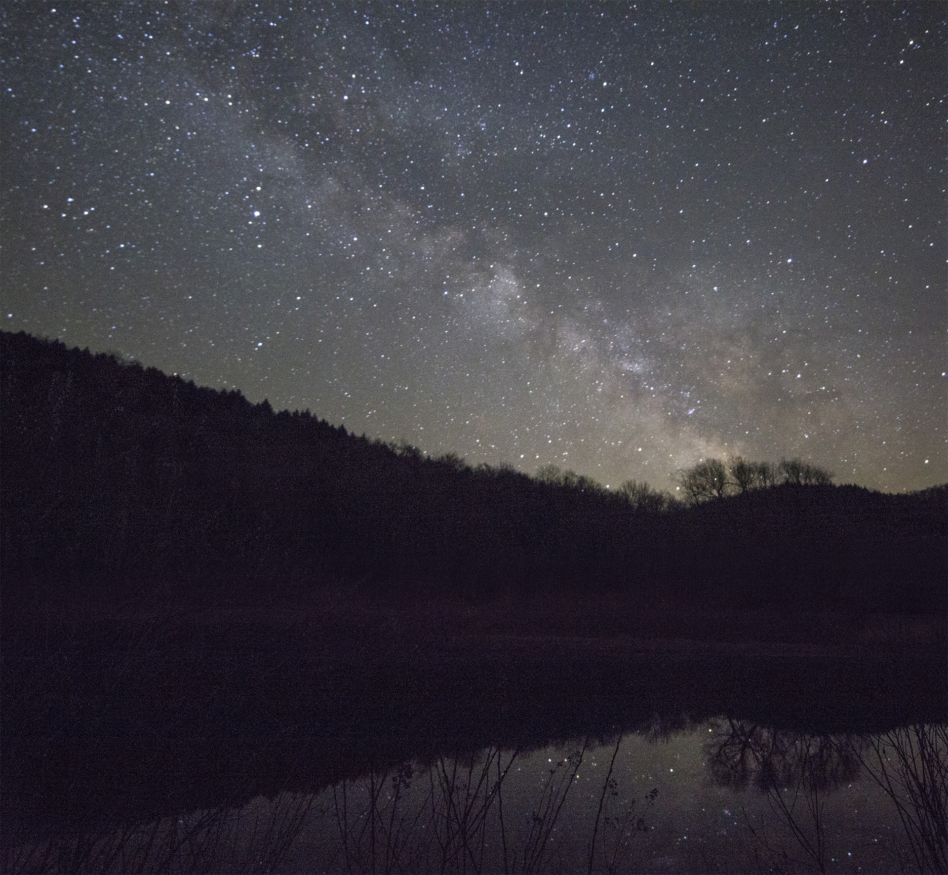 Waterbury Resevoir at night with the Milky Way